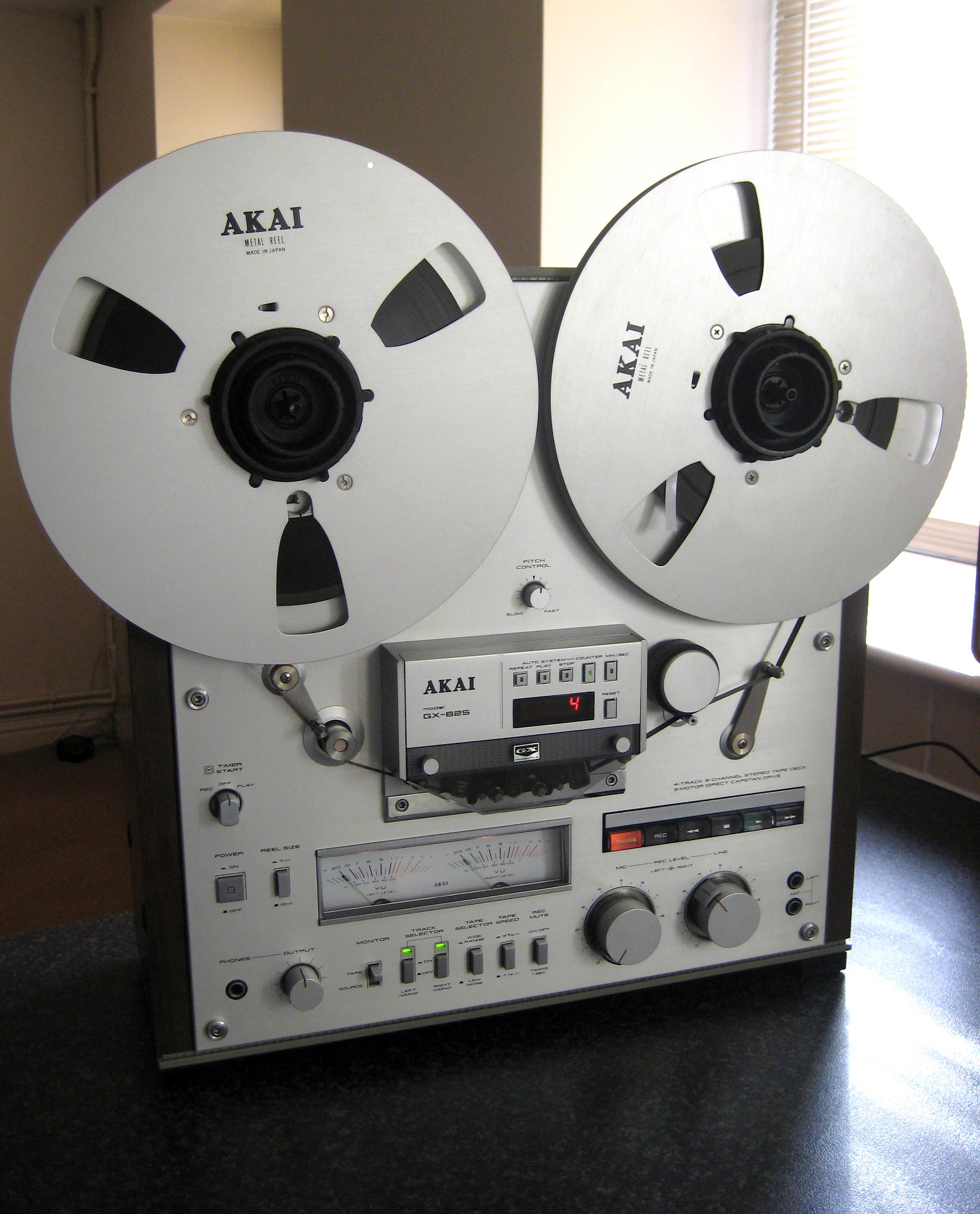 Akai Gx 625