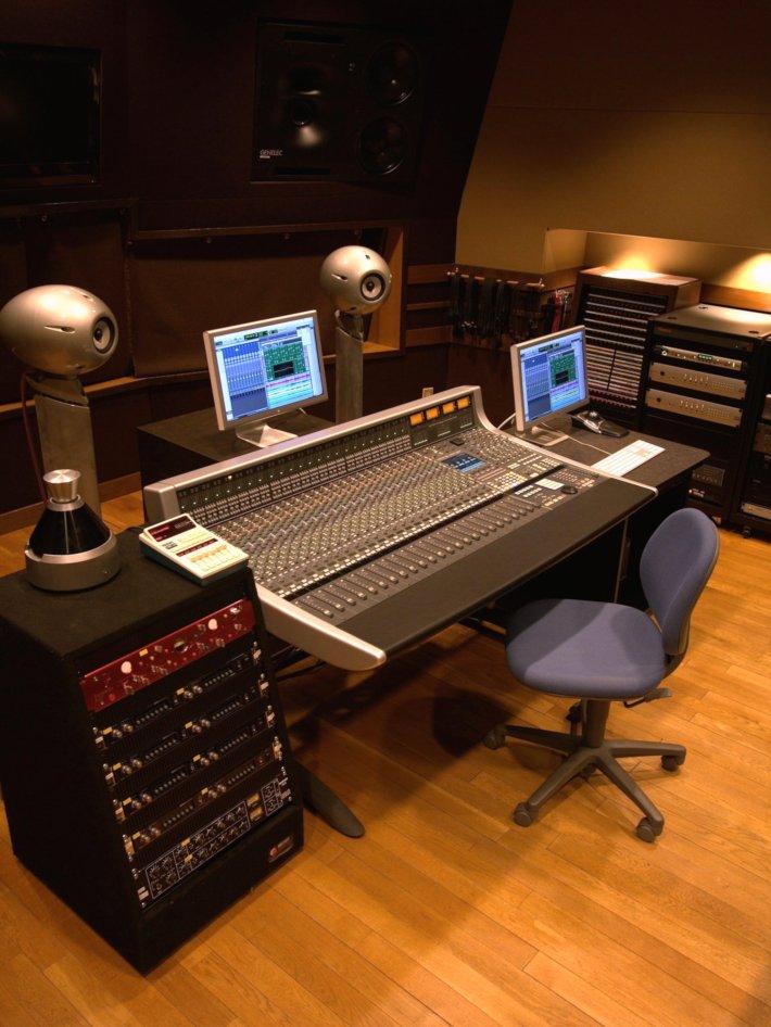 FTL studio control